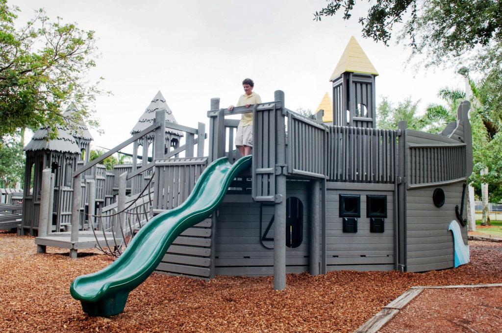 MustDo.com | Cambier Park playground Naples free family fun