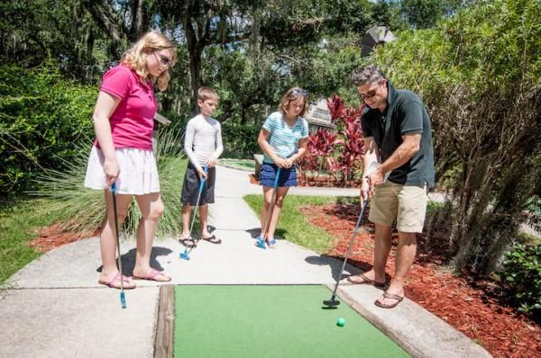 MustDo.com | Evie's Family Golf Center mini golf Sarasota, Florida.