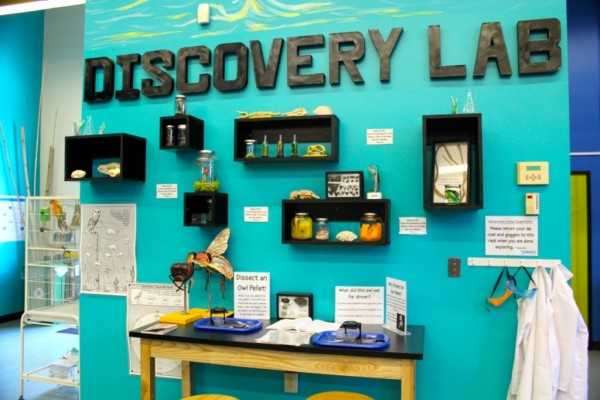 MustDo.com | Imaginarium Science Center discovery lab Fort Myers, Florida family activities
