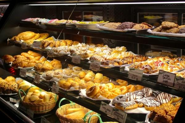 MustDo.com | Wynn's Market fresh baked goods, bakery Naples, Florida