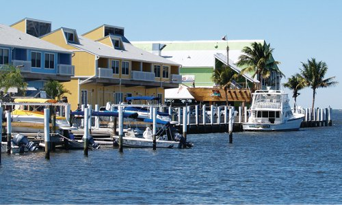 Fishermen's Village shopping, restaurants, rental villas and marina Punta Gorda, Florida