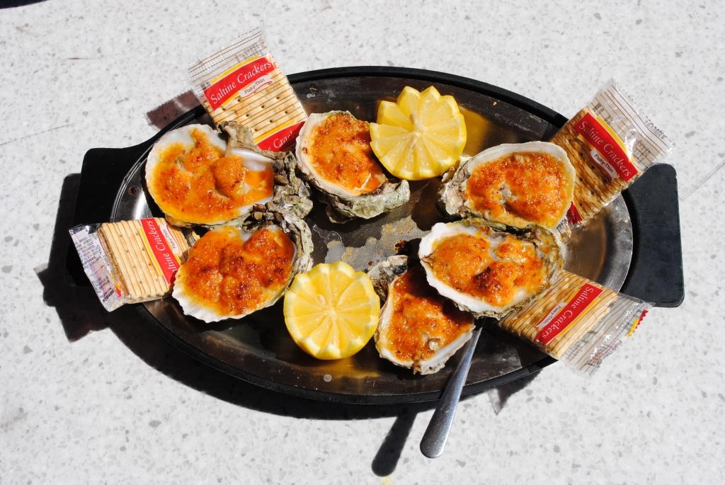 MustDo.com | Daiquiri Deck Raw Bar oysters Siesta Key Village Sarasota, Florida