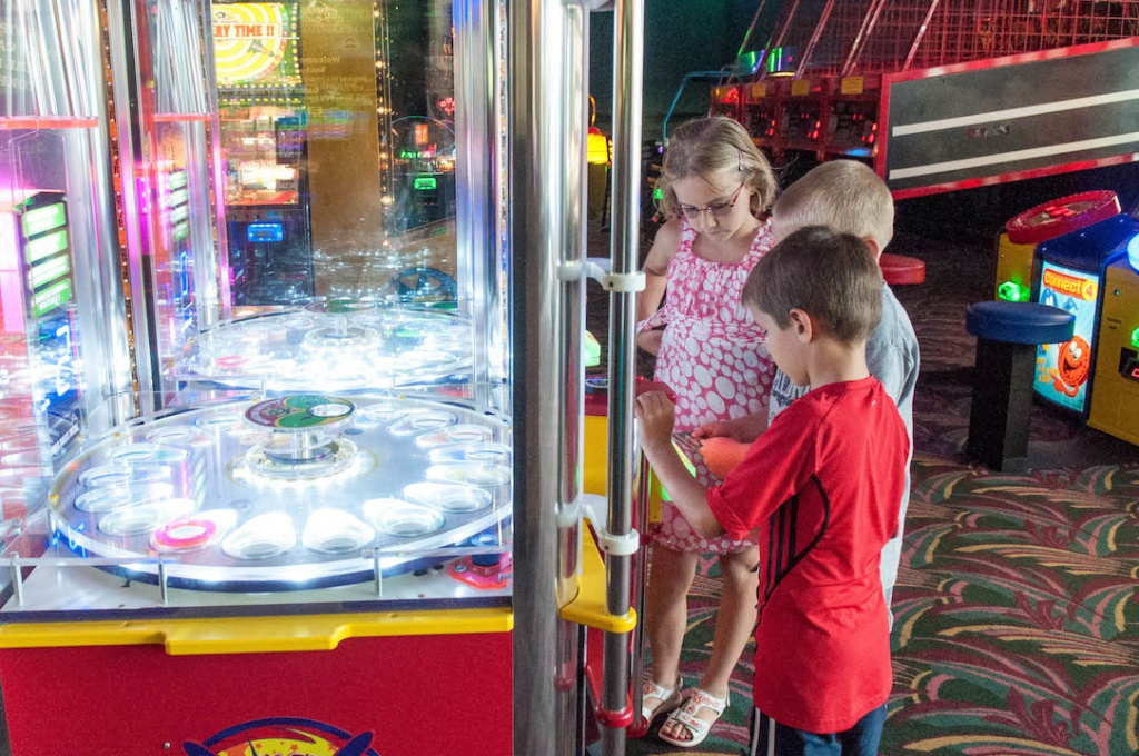Livingston's Amusement Center kids arcade and video games Sarasota, Florida