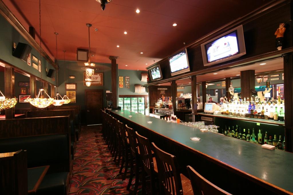 Livingstons Amusement Center bar and restaurant Sarasota, FL