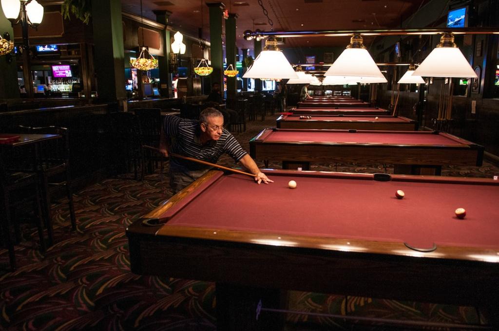 Livingstons Amusement Center pool and billiards Sarasota, FL