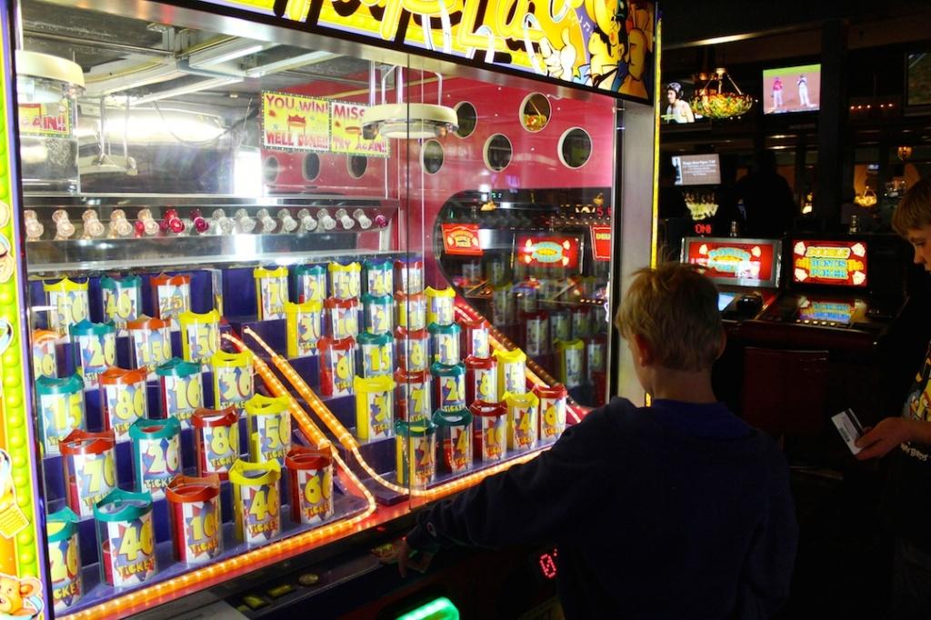 Livingstons Amusement Center video game arcade Sarasota, Florida