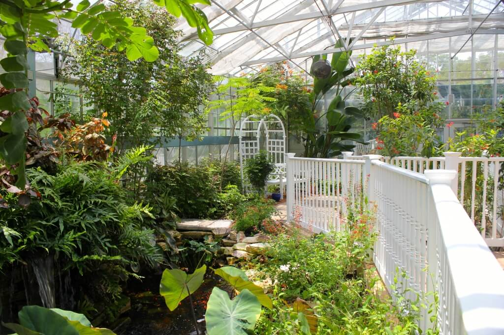 MustDo.com| Must Do Visitor Guides | The conservatory at the Butterfly Estates Fort Myers, Florida