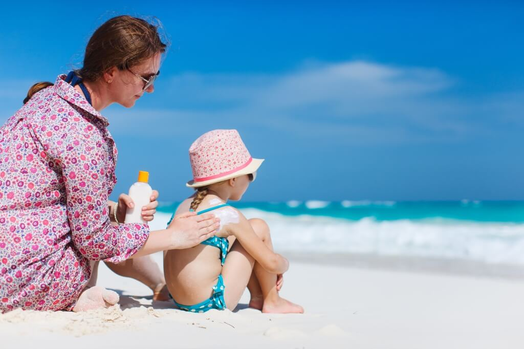 MustDo.com | Sunshine Survival Tips | Slather on the sunscreen when vacationing in Florida.
