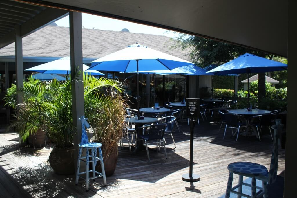 Must Do Visitor Guides | MustDo.com | Blue Giraffe outdoor patio dining Sanibel Island, Florida