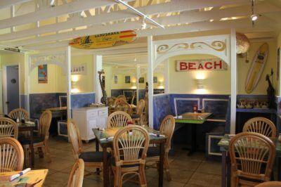 Blue Giraffe restaurant welcomes families Sanibel Island, FL | Must Do Visitor Guides | MustDo.com