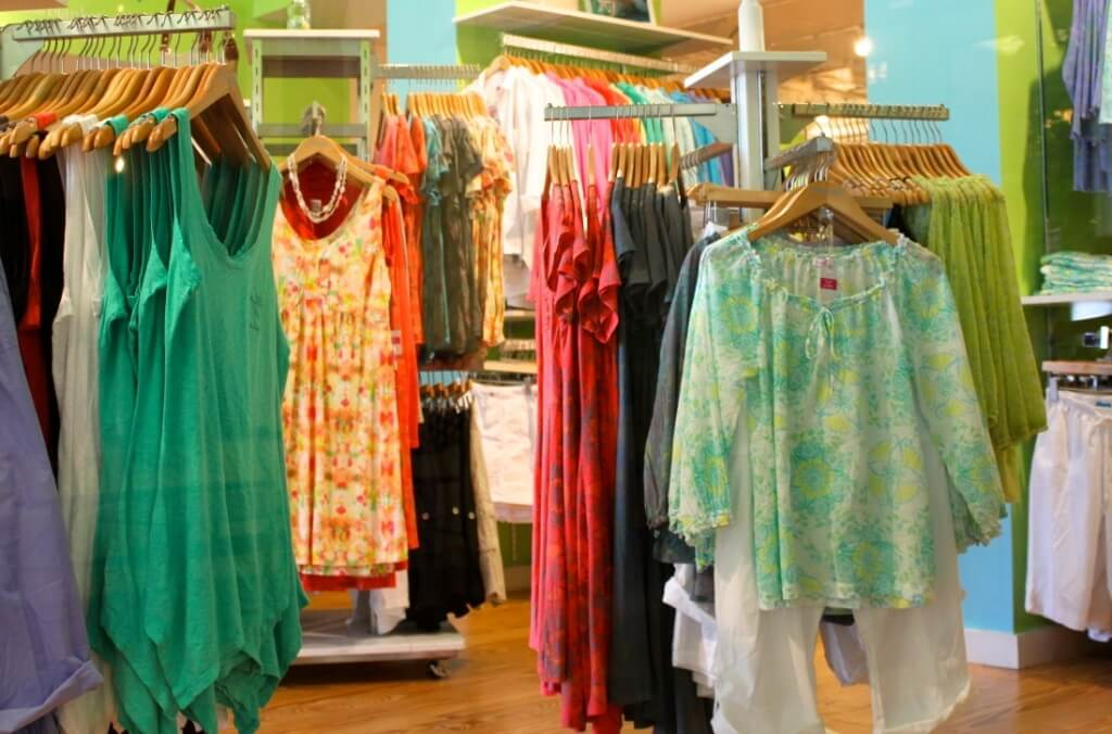 5th Avenue South Naples, FL shopping women's clothing