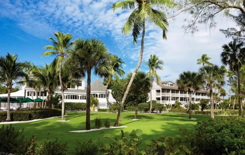 Thistle Lodge Beachfront Restaurant Sanibel Island, FL | Must Do Visitor Guides, MustDo.com