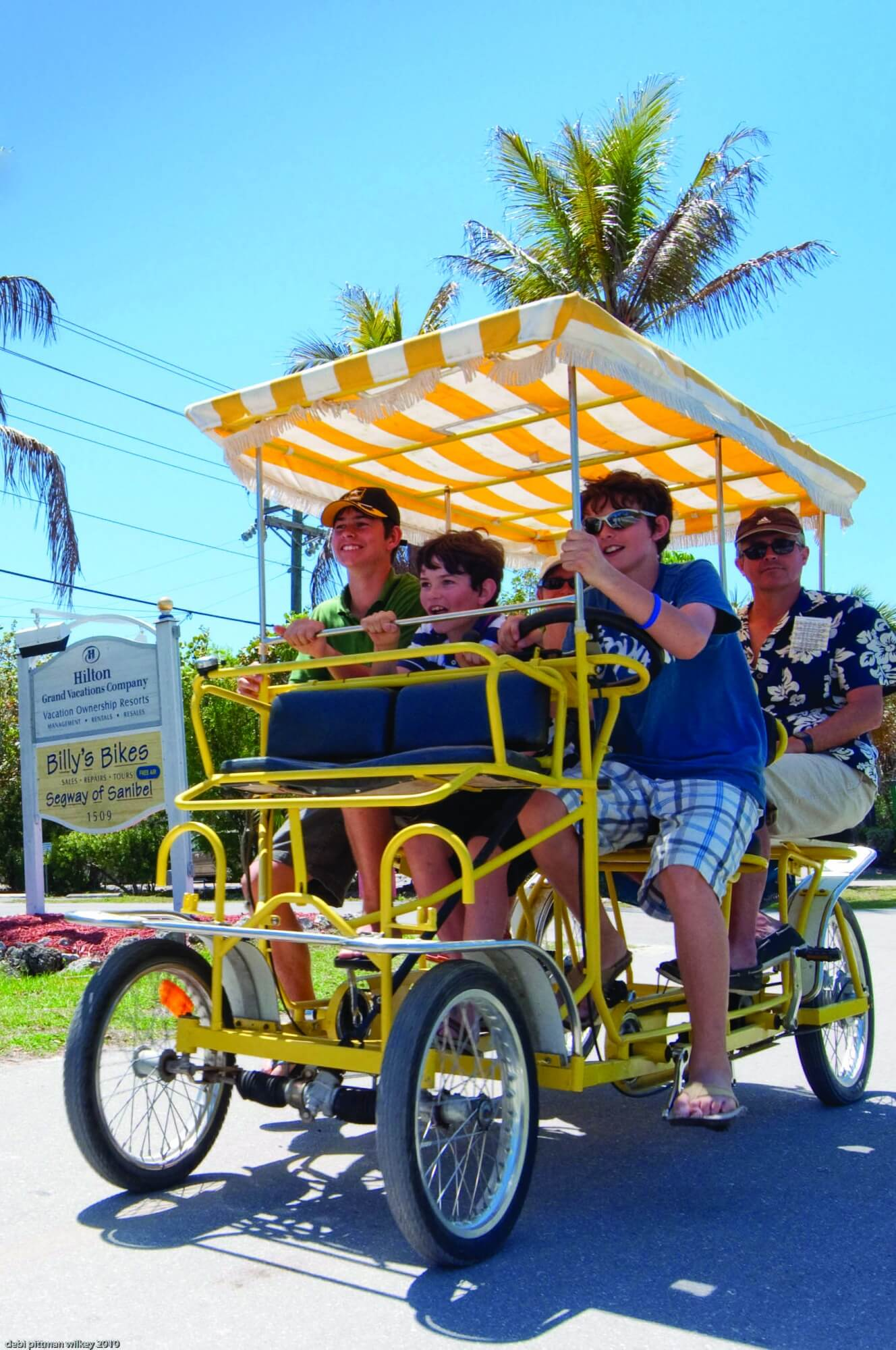 MustDo.com | Biking along Periwinkle Way on Sanibel Island, Florida. Photo by Debi Pittman Wilkey