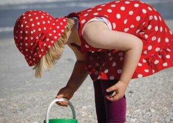 MustDo.com   Collecting shells on Sanibel Island, Florida. Photo by Debi Pittman Wilkey