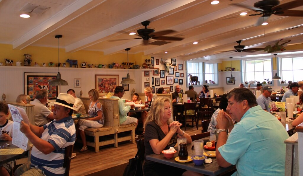 MustDo.com | Must Do Visitor Guides | Island Cow restaurant Sanibel Island, Florida