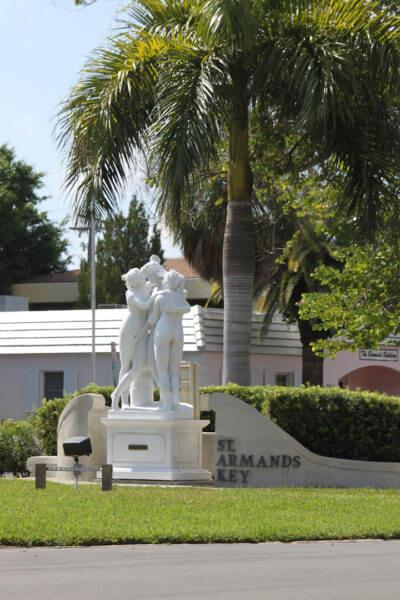 Must Do Visitor Guides, MustDo.com } St. Armands statues Sarasota, Florida