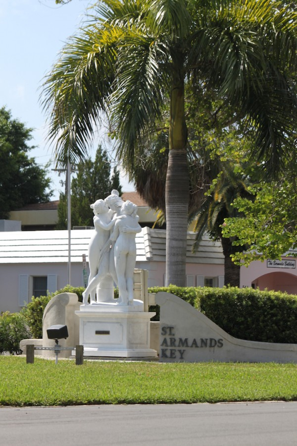 Must Do Visitor Guides, MustDo.com } St. Armands statues Sarasota, Florida