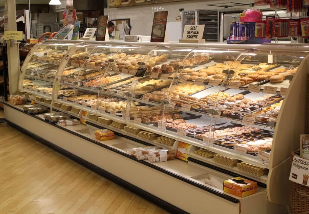 MustDo.com   Delicious fresh bakery items and sweet treats Jerry's Foods Sanibel Island, Florida