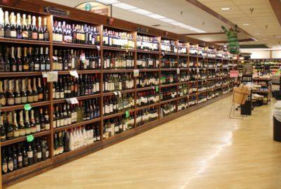 MustDo.com | Fantastic selection of wine at Jerry's Foods, Sanibel Island