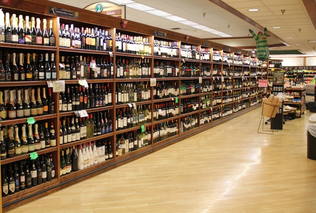 MustDo.com | Fantastic selection of wine at Jerry's Foods, Sanibel Island