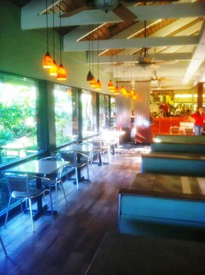 MustDo.com   Enjoy breakfast or lunch at Jerry's Kitchen Cafe at Jerry's Foods on Sanibel Island, Florida
