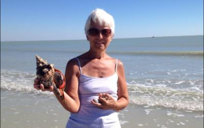 MustDo.com | Live Conk and shell found on Captain Bubby's IsLAND Tour Sanibel, FL