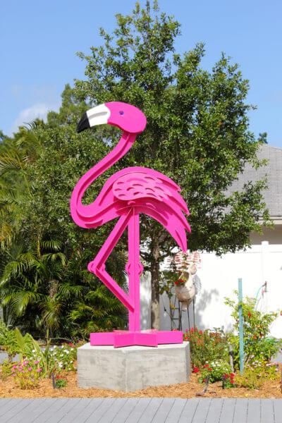 MustDo.com | Flamingo sculpture at Marietta Museum of Art & Whimsey Sarasota, Florida.