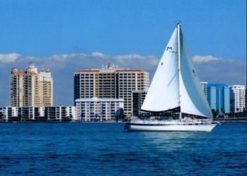MustDo.com | Key Sailing sunset & sightseeing cruises of Sarasota Bay and the Gulf of Mexico ranging from 2 to 8 hours. Key Sailing also offers affordable private or group charters for family parties, weddings, sailing lessons or just relaxation.
