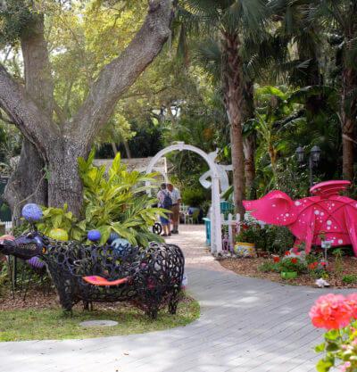 MustDo.com | Lighthearted sculptures at Marrietta Museum of Art & Whimsy Sarasota, Florida.