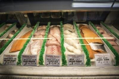 MustDo.com | Oakes Farms Market fresh seafood & fish Naples, Florida.