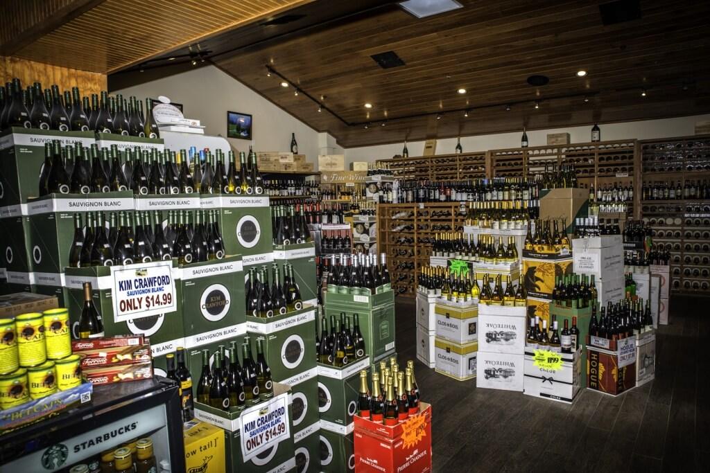 MustDo.com | Wine shop at Oakes Farms Market Naples, Florida