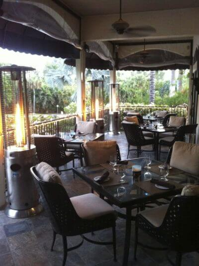 MustDo.com   Dine indoors or out on the covered patio at Sanibel Island Italian restaurant Il Cielo.