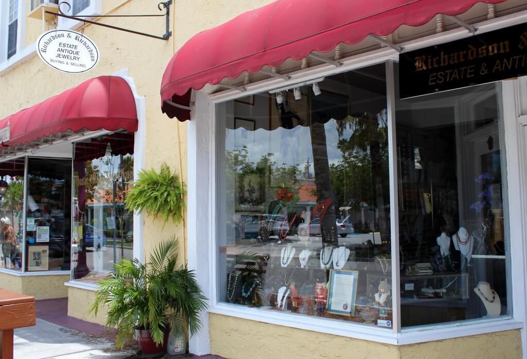 MustDo.com | Antique shops, galleries and boutiques Venice, Florida