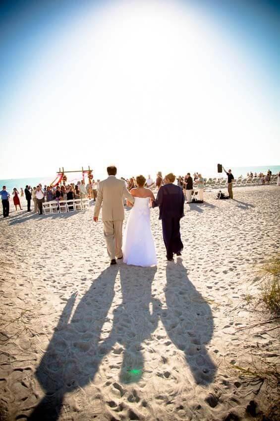 MustDo.com | Beach wedding at Lido Beach Resort photo by Kimberly Photography Sarasota, Florida