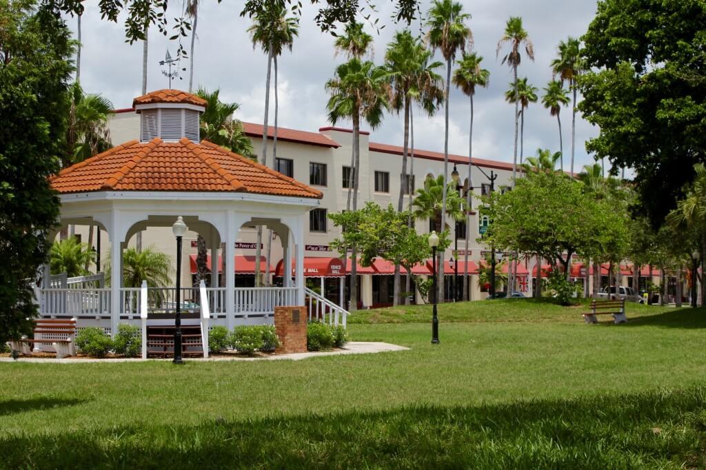MustDo.com | Centennial Park Gazebo downtown Venice, Florida