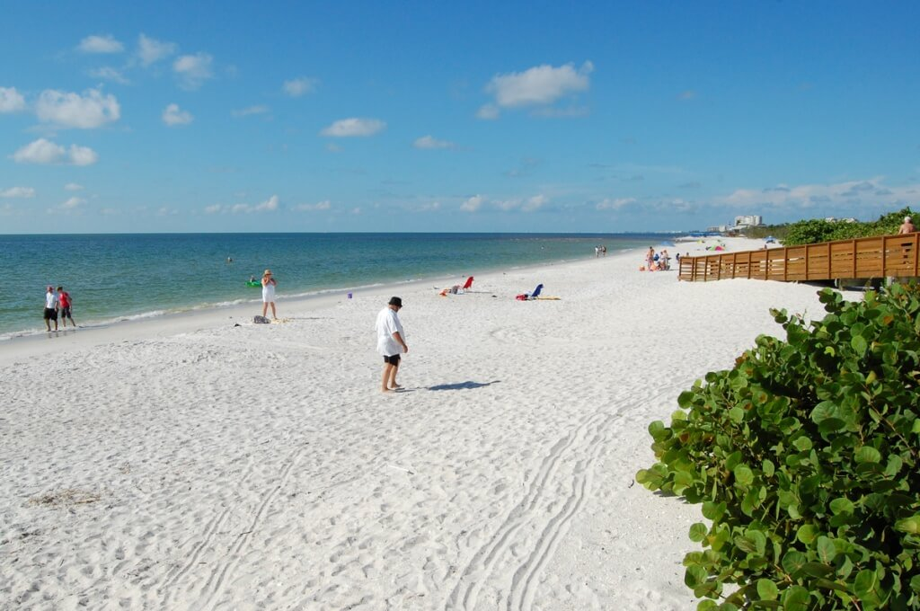 MustDo.com | White sand beach Clam Pass Beach Park Naples, Florida. Photo by Debi Pittman Wilkey.