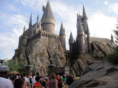 MustDo.com   Relive your favorite movies such as E.T., Despicable Me and Shrek at this original Universal Studios attraction, or visit the recreated Hogwarts School of Witchcraft and Wizardry at Islands of Adventure. Discover the Hogwarts Express and enjoy rides and experiences that are as captivating and original as the Harry Potter books on which the theme park is based. It's magic!