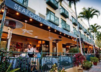 MustDo.com | Trulucks Seafood Steak and Crab House Naples, Florida.