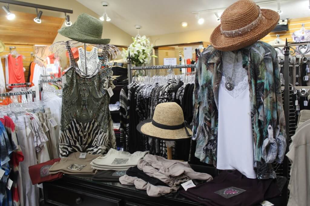 Foxy Lady womens boutique Siesta Key and Sarasota, Florida. Must Do Visitor Guides, MustDo.com.