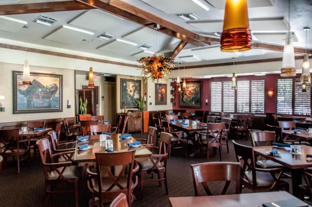 MustDo.com | Blue Coyote Supper Club restaurant located at Sanibel Island Golf Club