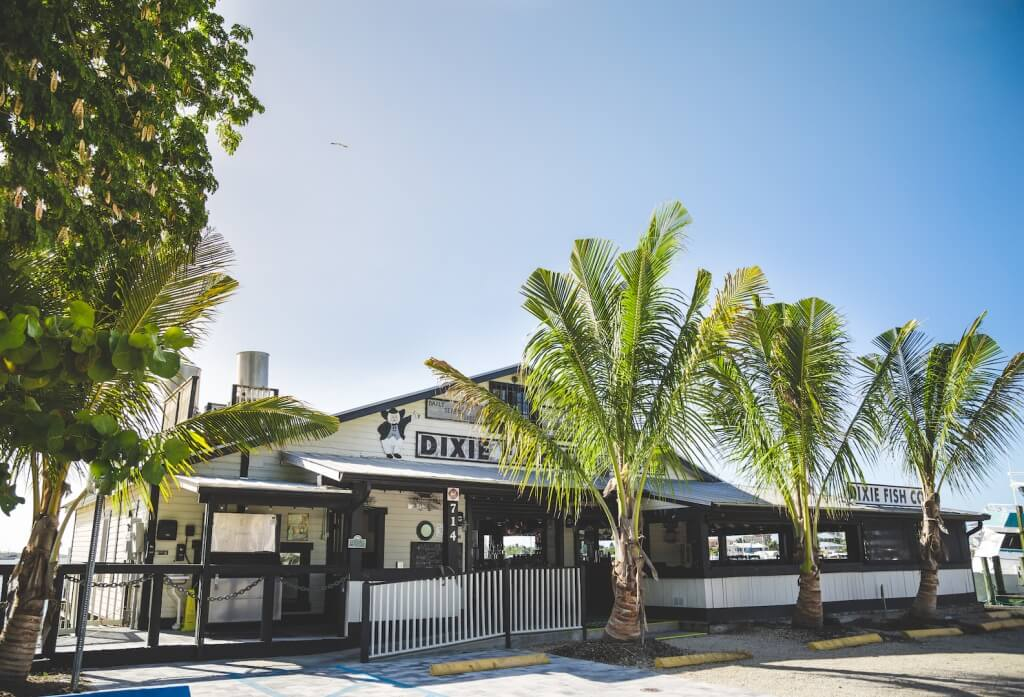 Dixie fish co in fort myers beach florida must do for Fish house fort myers beach