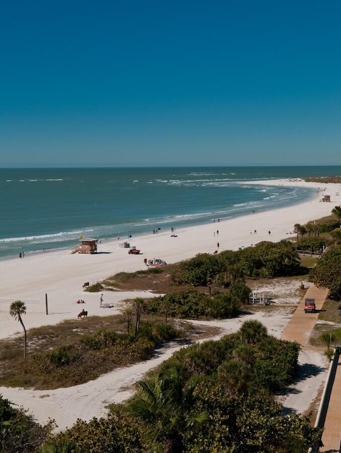 MustDo.com | Sarasota is a popular destination in southwest Florida, welcoming over 925,000 visitors each year. With its combination of beautiful sandy beaches, upscale shopping, cultural festivals, watersports, golf, and top dining, there's something for everyone.