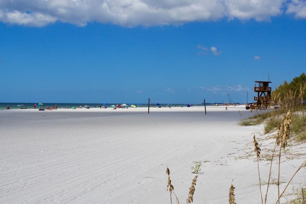 MustDo.com | White sand beach and Gulf of Mexico Coquina Beach Anna Maria Island, Florida