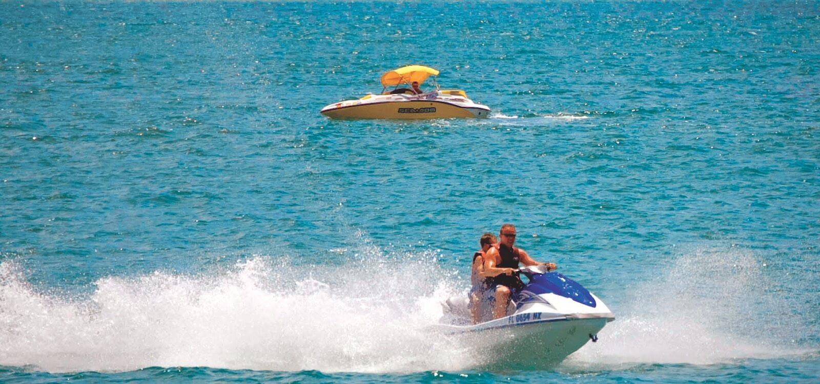 MustDo.com | Sarasota, Florida vacation watersport activities include jet ski, WaveRunner, and boat rentals.