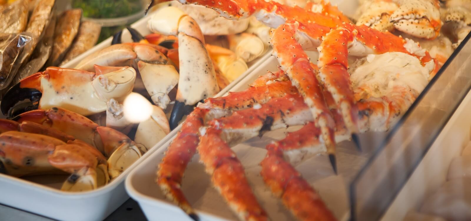 Mustdo Naples Florida S Best Seafood Restaurants Offer A Variety Of Stone Crab