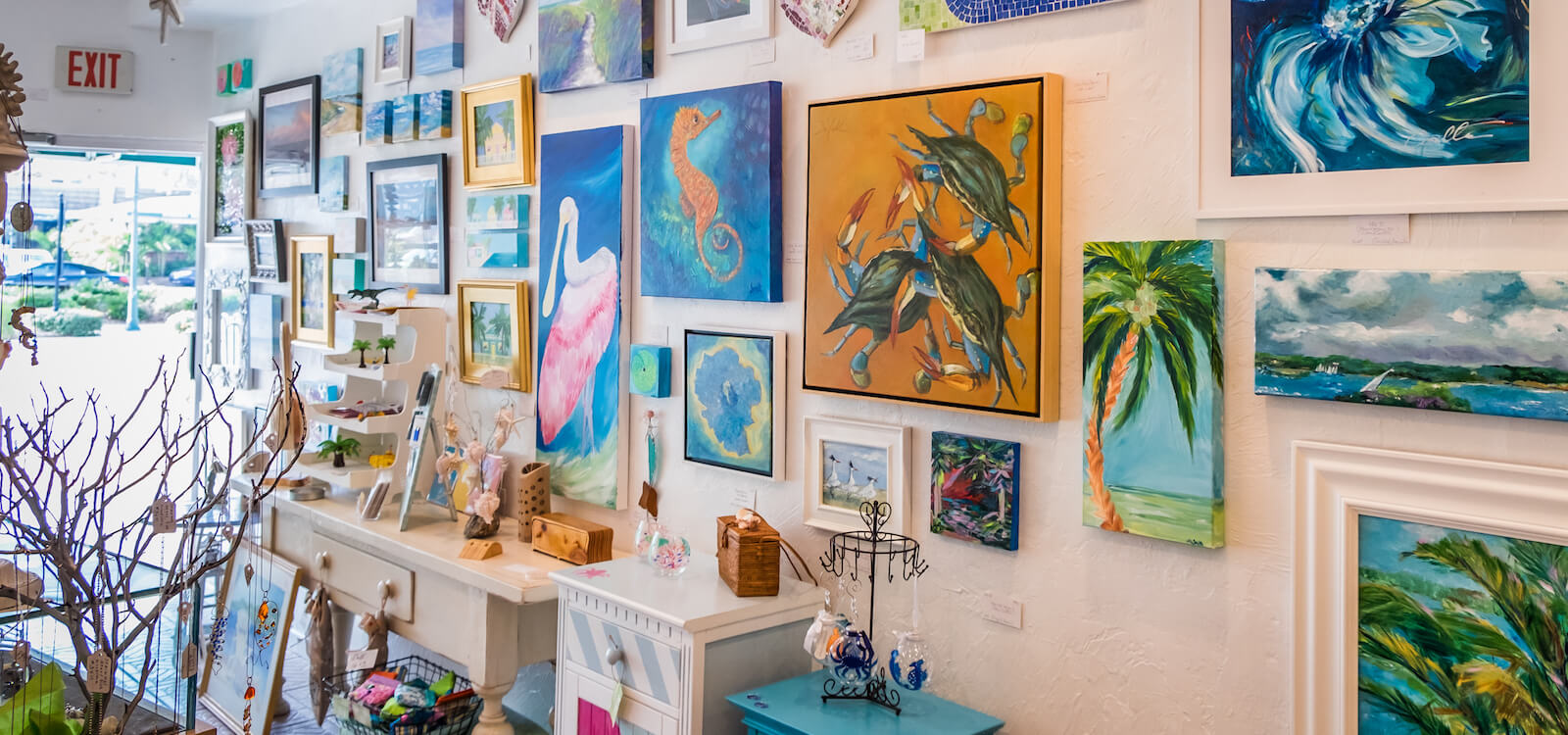 Visitors will have no trouble finding treasures with the Sarasota area offering everything from beach shops to boutiques filled with one-of-a-kind art, t-shirts, sweatshirts, hats, flip-flops, and more. Photo by Mary Carol Fitzgerald | MustDo.com
