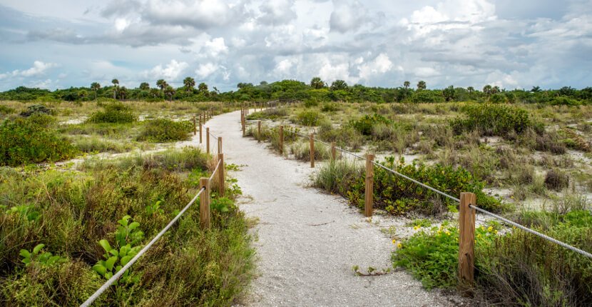 MustDo.com | Nature trail Ding Darling National Wildlife Refuge Sanibel Island, Florida. Photo by Jennifer Brinkman.