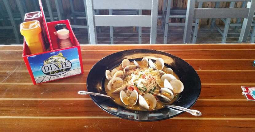 MustDo.com | Linquine with clams from Dixie Fish Co.