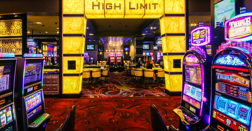 Seminole Casino Hotel in Immakalee, Florida 24 hour gaming casino and restaurants is a short drive from Naples and Marco Island. #casino #gambling #florida #blackjack