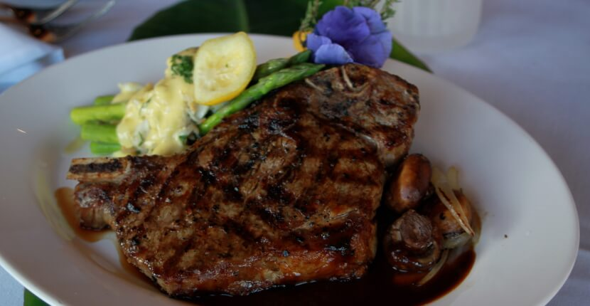 MustDo.com | Enjoy mouthwatering steak and seafood at South Beach Grille casual fine dining restaurant Fort Myers Beach, Florida. Must Do Visitor Guides Florida vacation information.